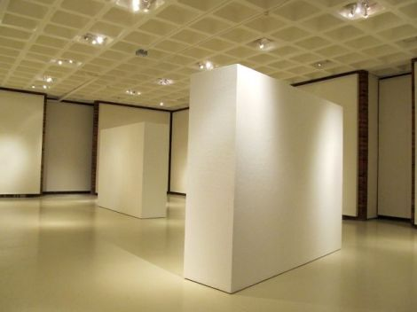 gallery view of empty Spurgeon Art Gallery